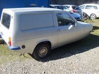 RELIANT SUPER ROBIN VAN 1971 748CC VERY RARE IN THIS AGE SOLID SHELL NON RUNNER