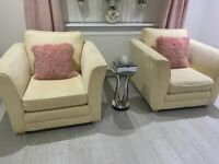 2 accent armchairs like new just only 2 months old