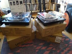 Stanton ST-150 Turntables (Pair) Like New with covers/Decksavers