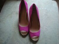 LILY & FRANC Pink Suede Open Toe Block Heel Court Shoes - size 6 UK