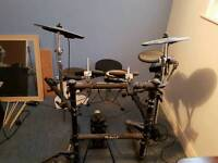 Roland TD3 electronic drum kit with pm10 amp