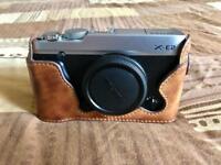 Fujifilm X-E2 body, silver, pristine condition + leather case