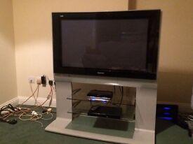 37 inch Panasonic tv with stand