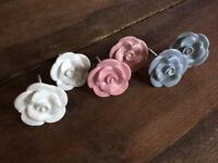 Lovely, elegant ceramic roses drawer/chests/cabinet handles/pulls/door knobs