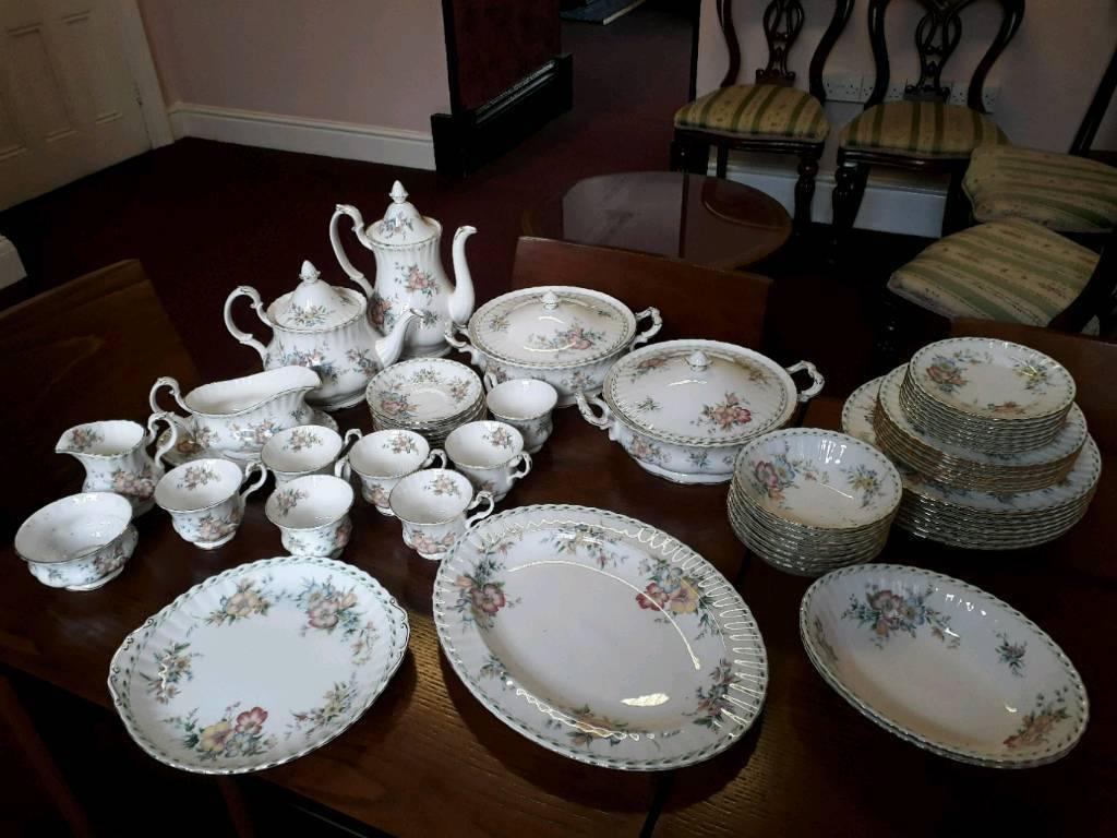 Vintage Royal Albert Dinner Ser