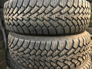 4 pneus dhiver  215/60/16 goodyear nordic comme neufs