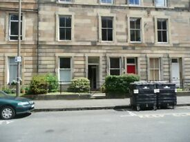OXFORD STREET - Three Bed Flat Available for the Edinburgh Festival
