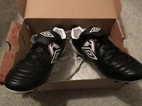 Umbro Speciali HG football boots size 12