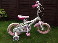 Hello kitty bike, with stabilisers Excellent Condition