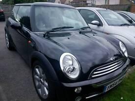 Perfect condition Mini Cooper 2005 £2,650