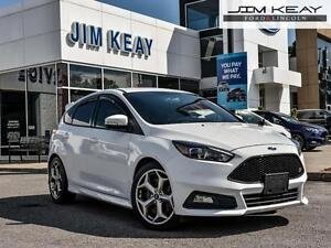 2015 Ford Focus ST MODEL* 5 DR HATCH*2.0L ECOBOOST*PWR MOONROOF*