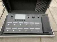 Line 6 Helix guitar multi effects + flightcase