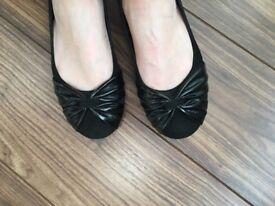 Bata Italian black leather ballet pumps EU37