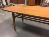 Retro vintage mid century wood coffee table with magazine slats rare home SDHC