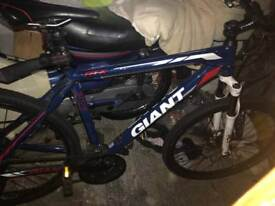 Giant ATX 27.5 Mountain Bike