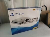 PS4 SLIM BRAND NEW 2 CONTROLLER + 4 GAMES