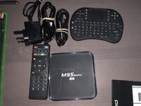 Android TV Box with Keyboard