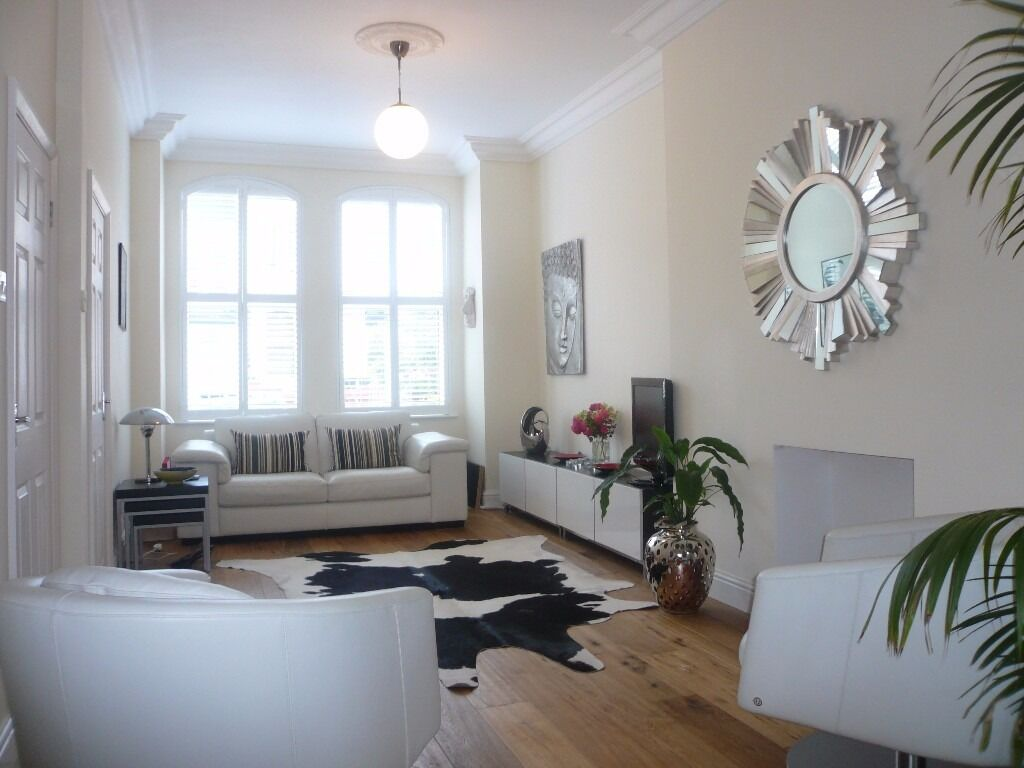 *** Beautifully presented two double bedroom split level garden flat, Nelson Road, N8 ***