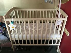 White space saver cot, mattress and 3 sheets