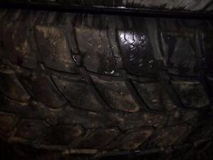 4 pneus d'hiver 235/70/16 Gt Radial Savero wt