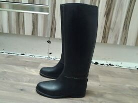 Ladies long riding boots
