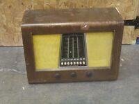 Old Bush radio