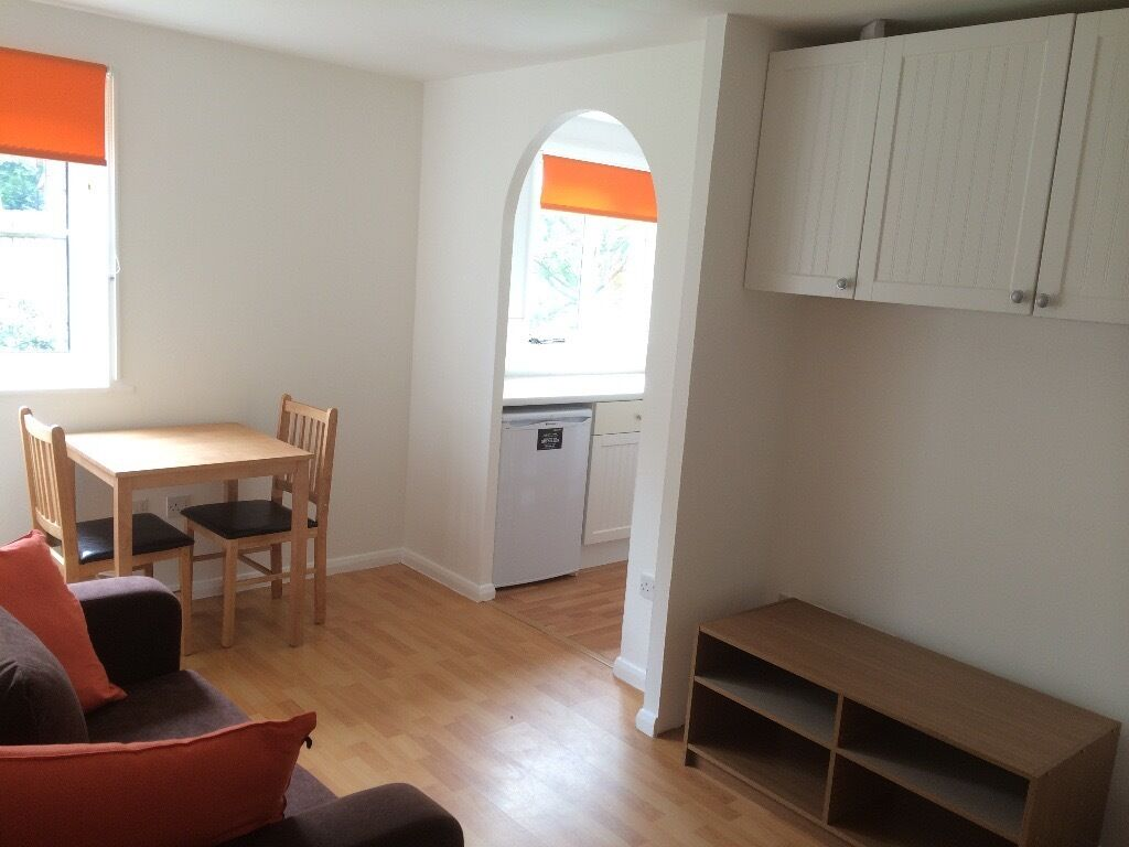 1 Bedroom Flat to rent E16 3TZ, 5 minutes walk from Royal Albert DLR