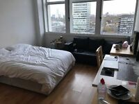 *OK ENSITE AND IMPRESSIVE DOUBLE ROOM IN ELEPHANT AND CASTLE