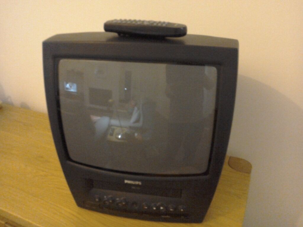 Philips Tv And Vhs Cassette Player Old Style In