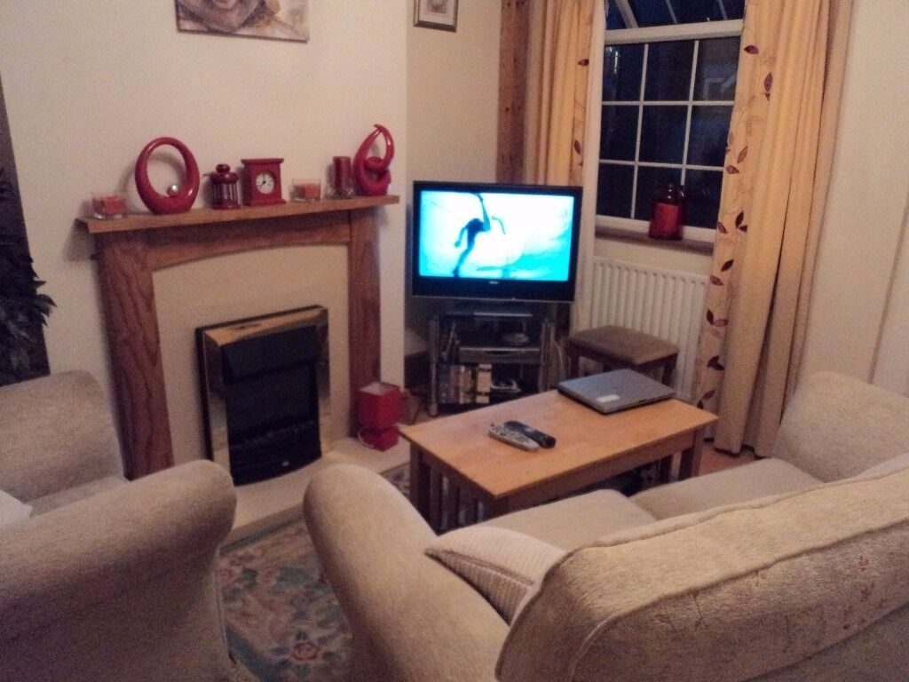 MATURE .FEMALE TO SHEAR NICE 3 BED ROOM HOUSE IN CARLTON NOTTINGHAM