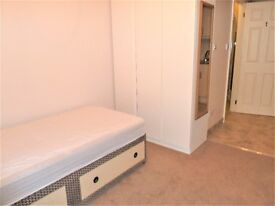 studio apartment situated within a short walk to Golders Green underground station