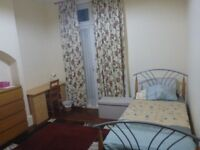 Lovely large single Turnpike Lane available in large new 3 bed hse