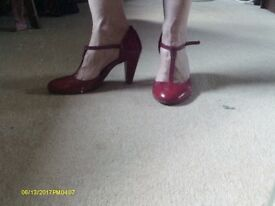 LADIES SIZE 4.5 RED LEATHER PER UNA SHOES