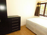 HIGH QULITY DOUBLE ROOMS TO RENT (NO DEPOSIT REQUIRED )Chadwell Heath Station -Less than 5 minutes.
