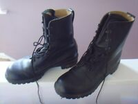 Army Boots High leg Black 11 M , Hardley worn from new steel toe ideal work boot