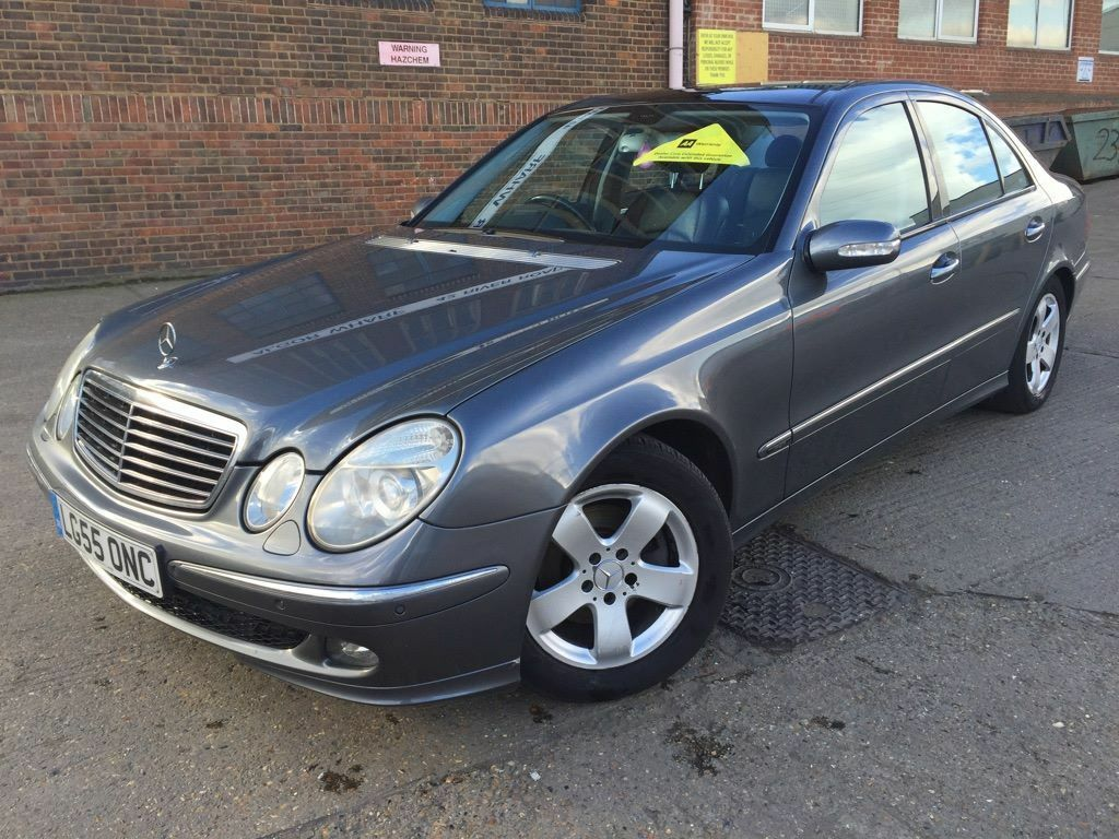 mercedes benz e320 cdi 3 0 2005 avantgarde diesel 1 p owner automatic grey pan roof sat nav. Black Bedroom Furniture Sets. Home Design Ideas