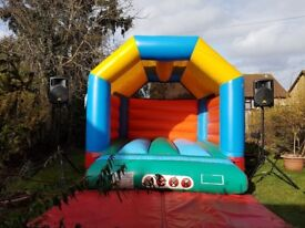 Bouncy castle, disco, face painting - book last minute cheap, high quality