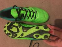 Football boots size 6
