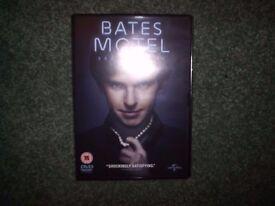 Gotham Season 2 REGION 1 DVD AND Bates motel SEASON 4 REGION 2 DVD