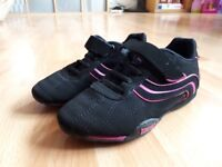 Girls lonsdale small size 12 trainers