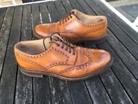 Loake Chester brogues size 9 tan