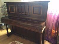Normelle piano