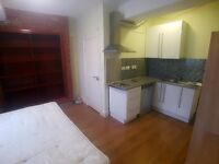 STUNNING Studio Flat 2 Minute Walk From Wembley Central Station! (Bakerloo Line)