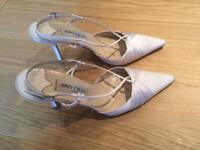 Jimmy Choo ivory sling back bridal shoes. Size 40.5) UK7