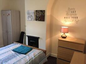 3 BEDROOM HOUSE IN RUSHOLME (M14) TO RENT-FULLY FURNISHED