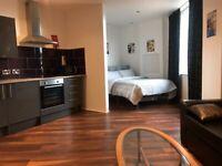 1 Bedroom Studio Flat - £700 all Bils included!