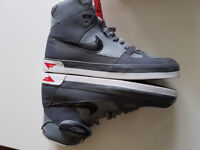 Mens Nike Flight Hightops Trainers Size 8.5 Brand New