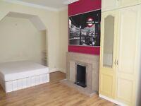A Double Room in Friern Barnet