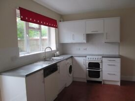 HOUSE TO LET MARKET PLACE SOUTH CAVE 3 DOUBLE BEDROOMS