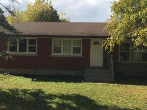 5 or 6 Bdrm Student Rental - Utilities included - May 2017